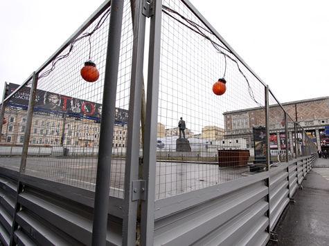 Через месяц с Триумфальной площади уберут заборы