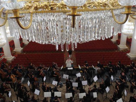 Примерно с такими словами обратились недавно к широкой общественности через СМИ организаторы ежегодного Фестиваля симфонических оркестров мира