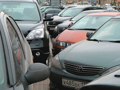 Автомобили убрали подальше от станции Малаховка