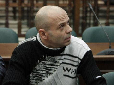 Обвиняемому в убийстве Политковской пришлось делать укол в суде