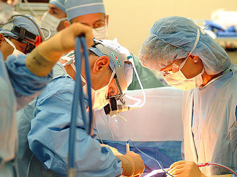 Причиной возникновения недуга медики считают гормональные нарушения в организме матери во время беременности
