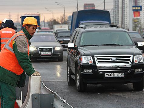 Гастарбайтеры зарабатывают в Москве больше коренных жителей