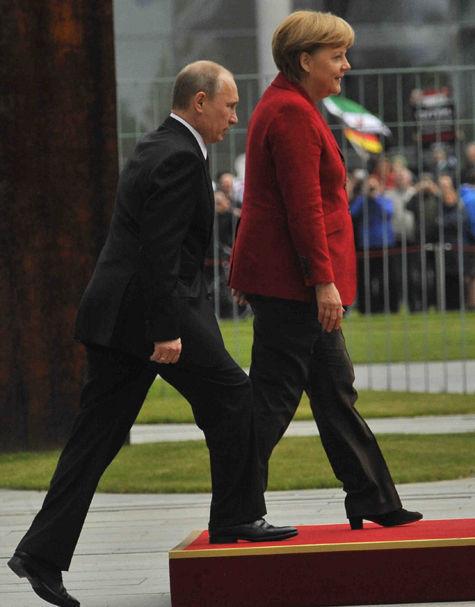 Путин не шутит с Меркель