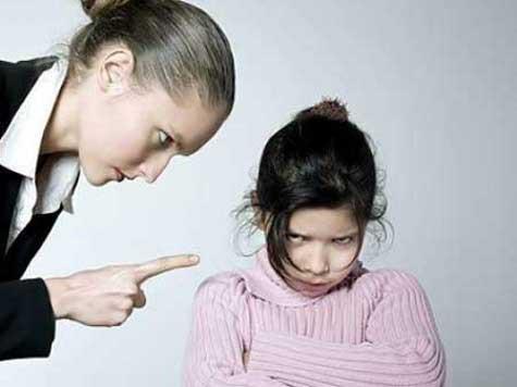 В спорах с матерью подростки закаляют свою способность отказываться от наркотиков