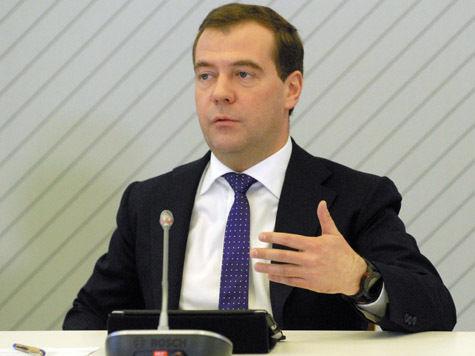 Медведев встревожен. Аномальная жара в России губит урожай