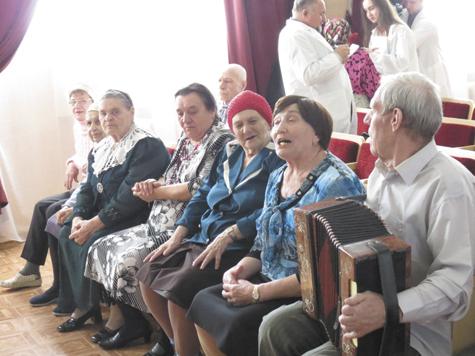 уход за пожилыми в загородном доме