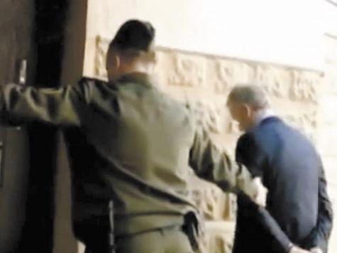 Домашний арест приурочили к приезду Путина