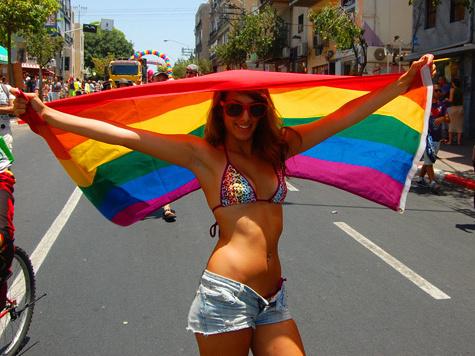 На гей-парад в Тель-Авиве евреи и арабы вышли под руку