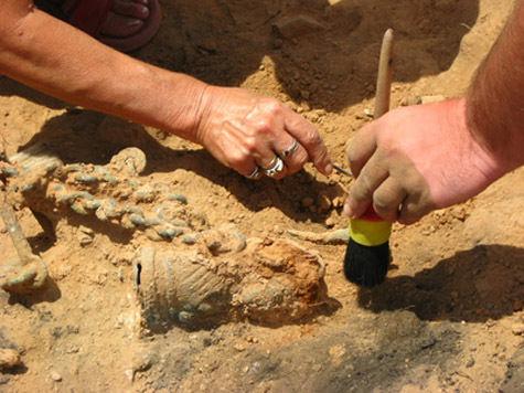 В Денисовой пещере нашли мальчика возрастом 27 тысяч лет?