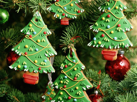 Новогодняя елка стала сценой для кукольной труппы