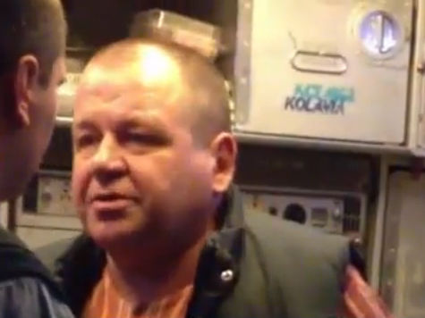 Сергей Кабалов, избивший стюарда в самолете, не платит за свои квартиры, коттедж, машину и участок