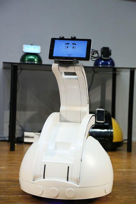 В Москве создали робота , который будет убаюкивать малышей и засыпать вместе с ними