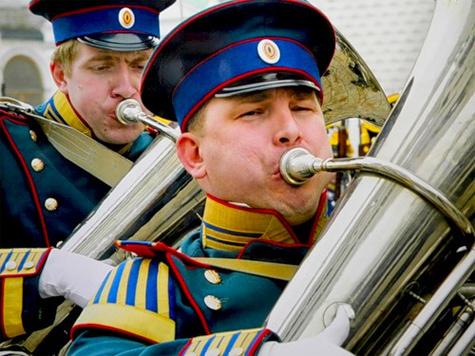 Военные оркестры выступят на Красной Площади