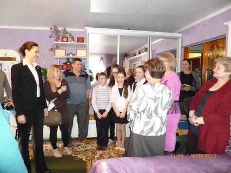 Депутат Госдумы в гостях у попечительской семьи и в детском доме