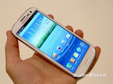 Samsung представил свой флагманский смартфон Galaxy S III. ВИДЕО