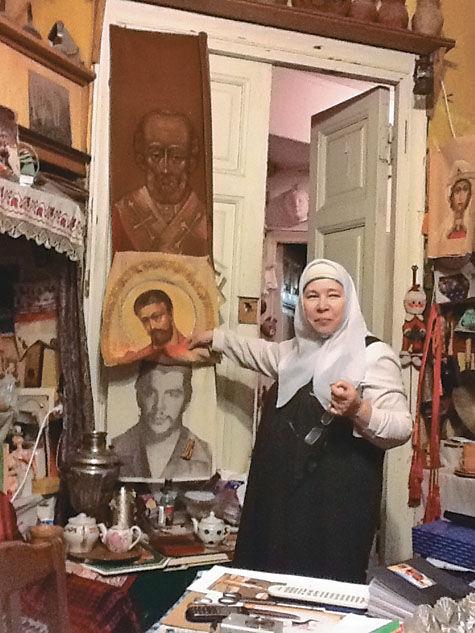 Одинокая москвичка, несмотря на угрозы, отказывается выезжать из дома, откуда уже выселили всех остальных жильцов