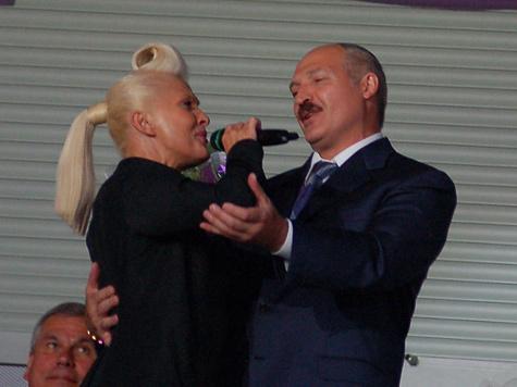 Фестиваль понес первую потерю в лице пародиста Галкина