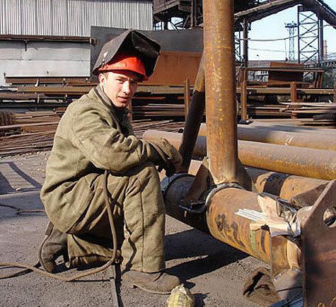 Чернорабочие, строители, дорожники — сплошь гастарбайтеры, которые не являются гражданами России