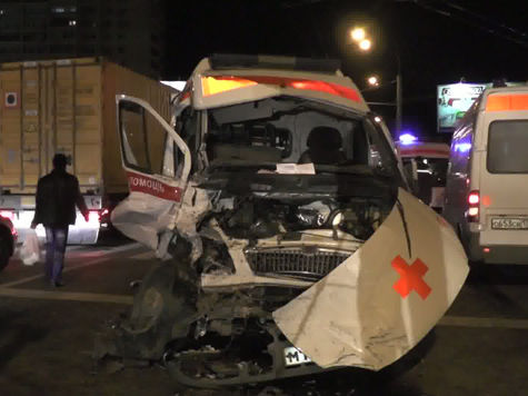Две аварии со «скорой помощью» в Москве: в одной врачи виноваты, в другой — нет