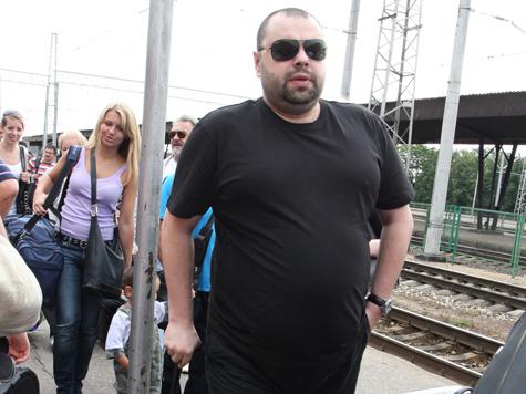 Максим Фадеев: «Мне недали поместить напластинку фото Ельцина»