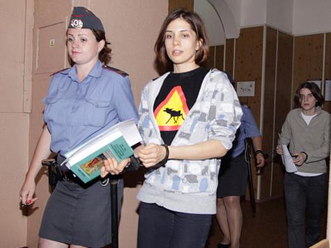 Сторонников Pussy Riot оштрафовали на 20 тыс. рублей