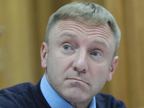 Министр образования, осудивший антидетский закон, сам усыновил мальчика