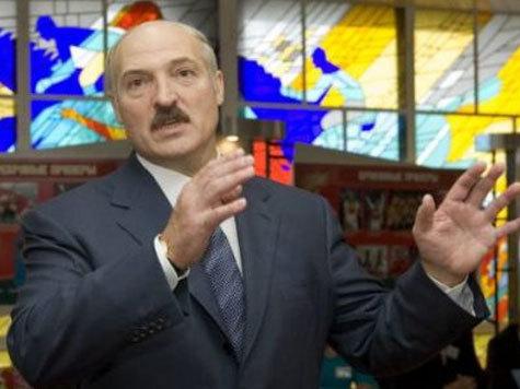 Батька внушал российским журналистам, что он не вор, а защитник России