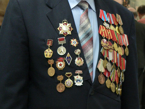 На умерших ветеранах наживались коммерсанты и чиновники военкомата