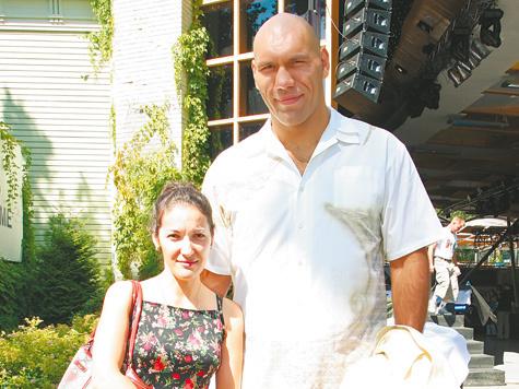 николай валуев с женой и детьми фото подарили