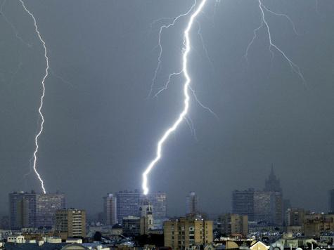 Москвич обрел уникальные способности после того, как в него попала молния