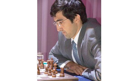 """Сильнейший шахматист страны в эксклюзивном интервью """"МК"""" рассказал про дочку, про футбол и про главных соперников за доской"""
