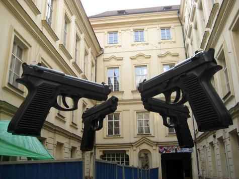 Бизнесмен готовился к визиту киллеров в собственной оружейной мастерской