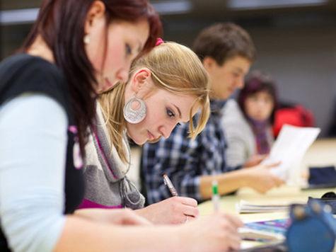 Правительство заставит студентов «отрабатывать» на предприятиях