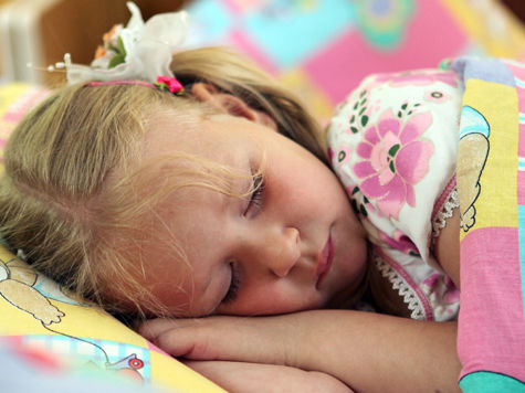 Социологи установили, что половине россиян определенного возраста угрожают ночные остановки дыхания