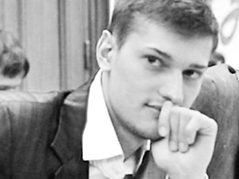 Близорукий студент, кидавший асфальт в полицию на Болотной, оставлен под арестом