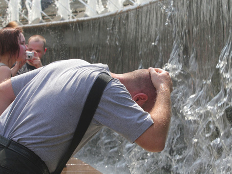 Повторения горячего лета-2010 в этом году, скорее всего, не случится
