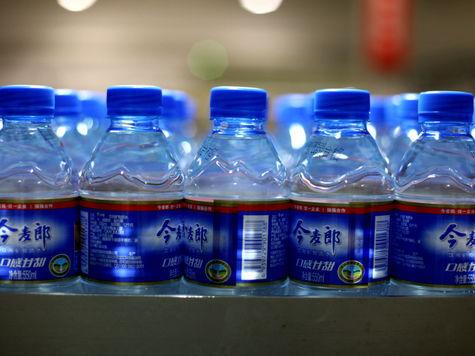 Западные ученые пришли к выводу, что пить бутилированную воду - значит приносить организму скорее вред, чем пользу