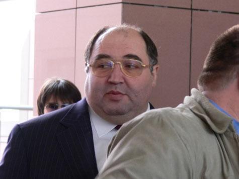 В Совете Федерации опровергли информацию о том, что бывший тесть Баскова сенатор Шпигель сдал мандат
