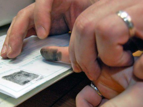 Депутат от ЛДПР предложил сдавать отпечатки пальцев при поездках по стране