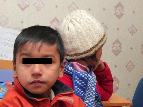 Куда исчезают в Москве новорожденные дети гастарбайтеров