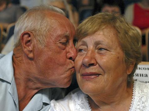 В любви все возрасты, бесспорно!