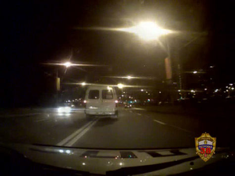 Пьяный водитель маршрутки устроил гонки с полицейскими в Москве