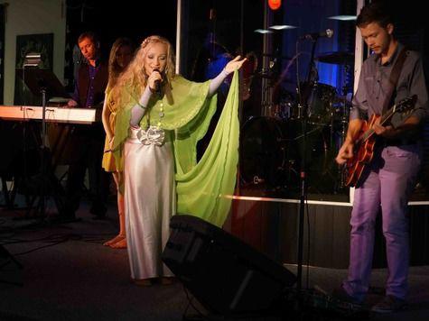 Христианская певица выступит перед российскими заключенными