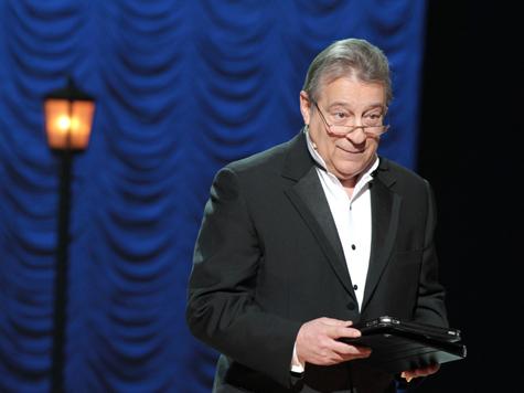 Хазанов поздравил Дом актера сказками, Ширвиндт – частушками, а Апексимова – песней