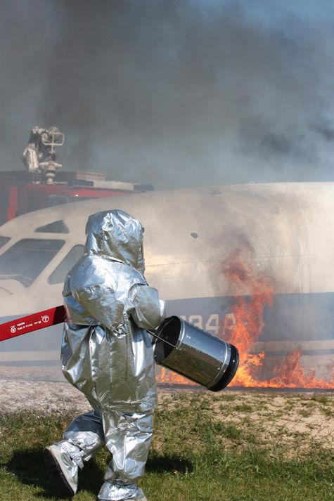 Произошли «сход с рельсов поезда, взрыв на химкомбинате, пожары и даже крушения самолетов»