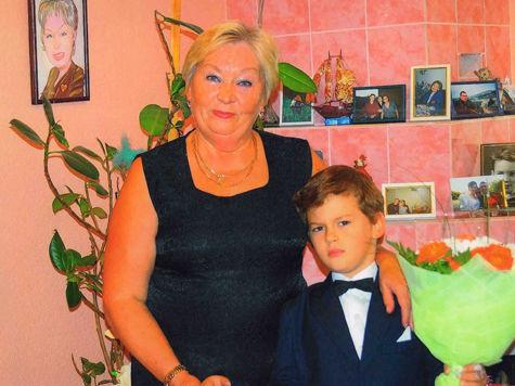 Мать взяла сперму сына и родила внука