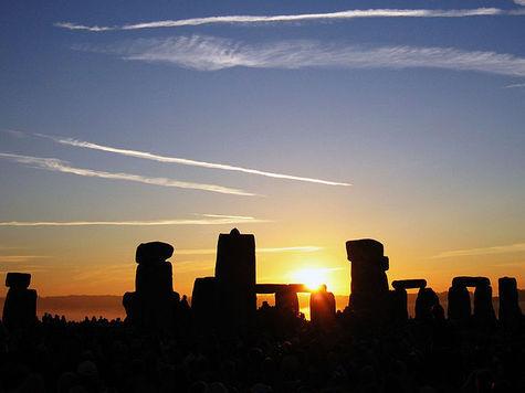 День летнего солнцестояния для жителей Северного полушария наступил 21 июня 2013 в 8.04 (МСК)