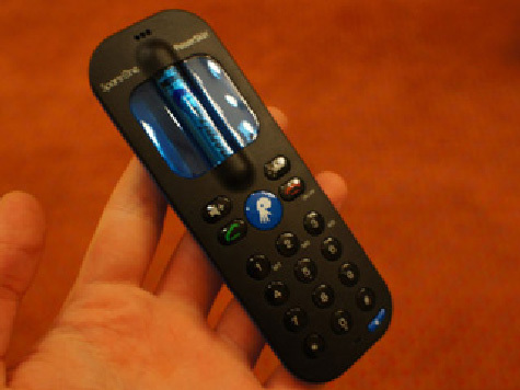 Мобильник, питающийся от одной батарейки АА, изобретен в США