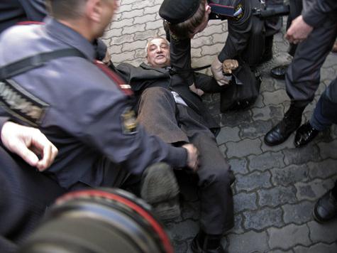 Никаких официальных извинений пострадавшие на Триумфальной площади пока не получили