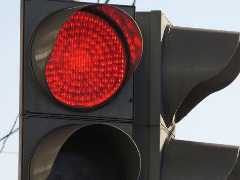 Светофоры сами остановят водителей-лихачей